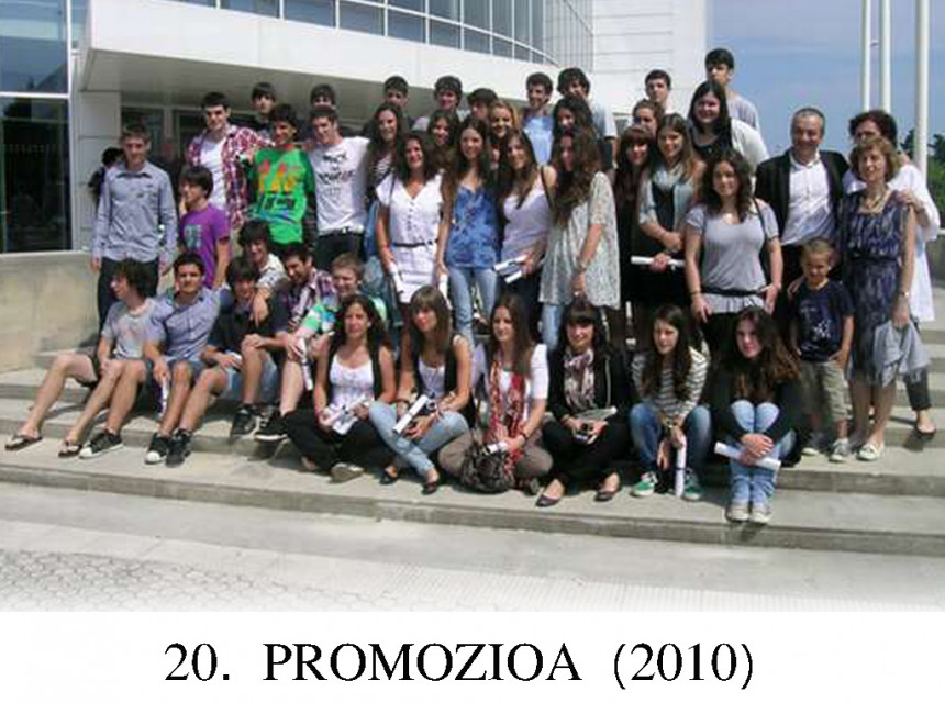 31Batxilergoko_20_promozioa_2010.jpg