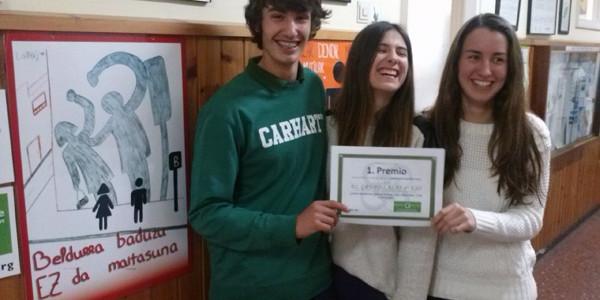 Premiados en el concurso de de carteles contra la violencia